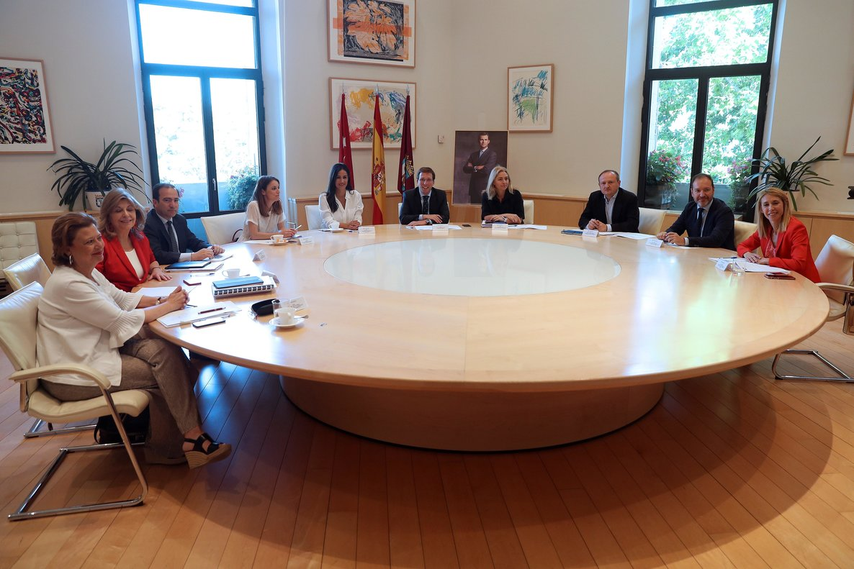 Reunión de los miembros del equipo de Gobierno del Ayuntamiento de Madrid.