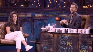 David Broncano con Esther González, jugadora del Atético de Madrid, en 'La resistencia'.