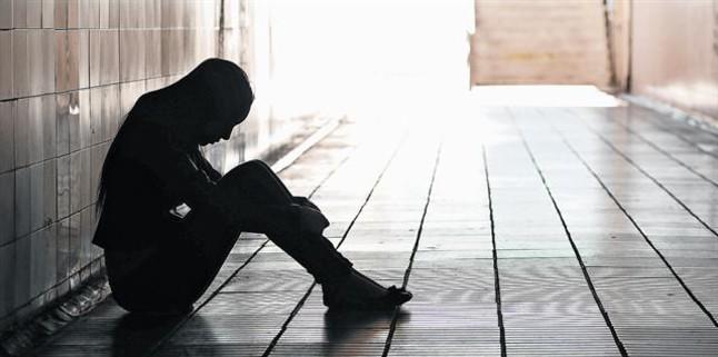 Un ciudadano con signos de estar deprimido.