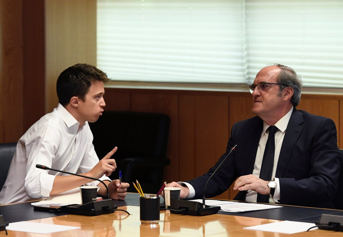 GRAF4992. MADRID, 27/06/2019.- Los candidatos de PSOE-M y Más Madrid a la Comunidad, Ángel Gabilondo e Íñigo Errejón, respectivamente, durante la reunión esta mañana en la Asamblea de Madrid.- EFE/Victor Lerena