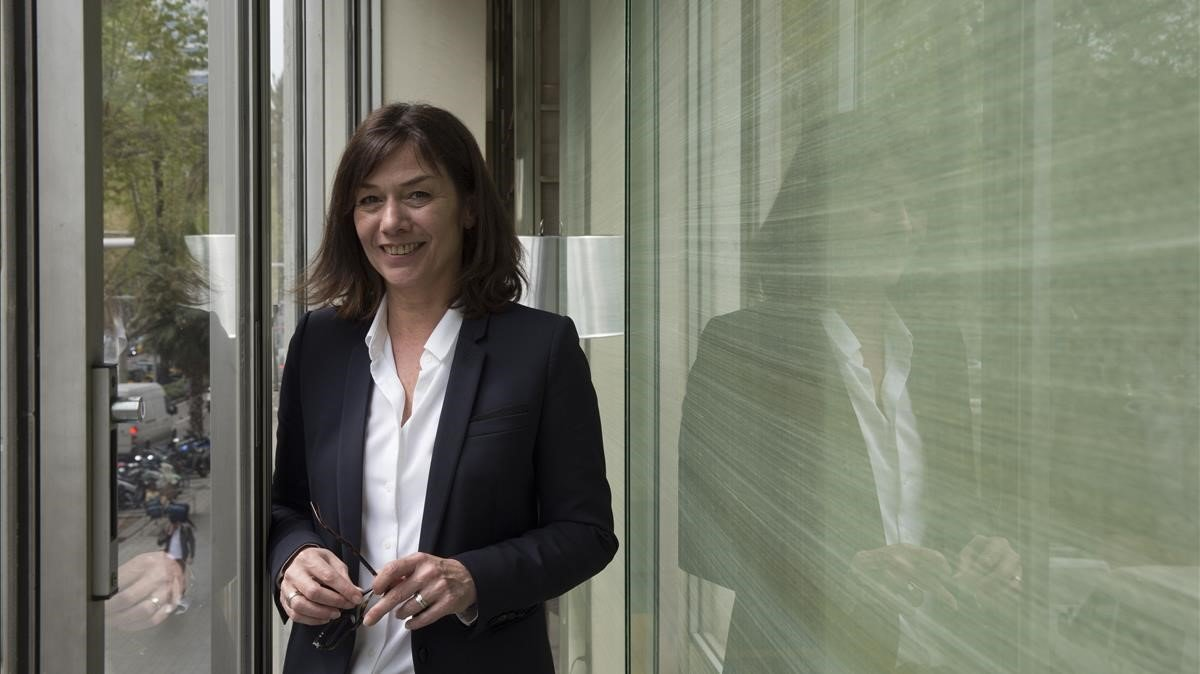 La escritora francesa Sandrine Destombes, en Barcelona.