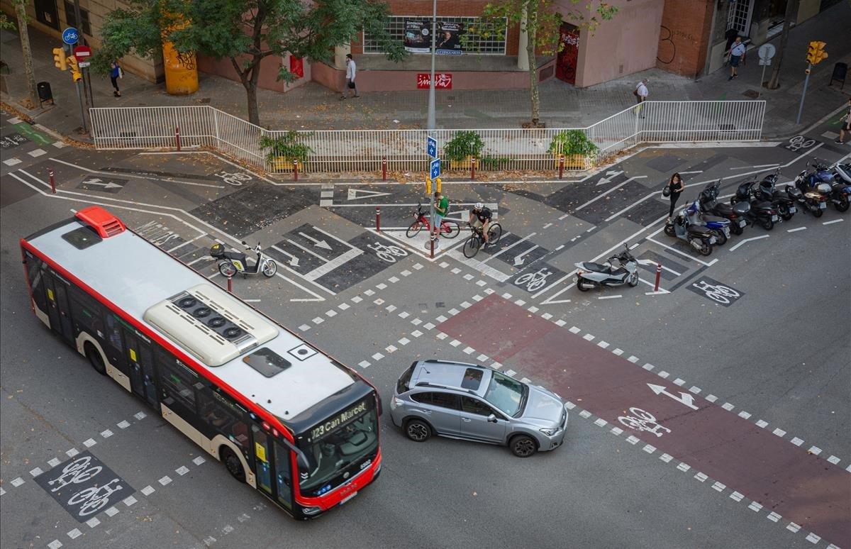 Esquina de las calles Provença y Cartagena.