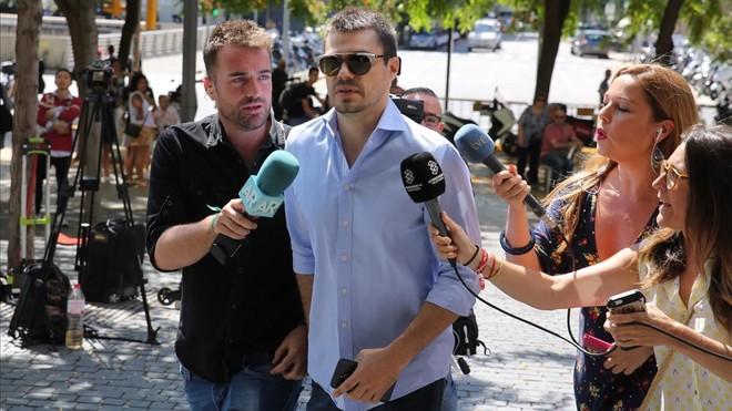 Albert Cavallé, este miércoles, entrando en la Ciudad de la Justicia de Barcelona.