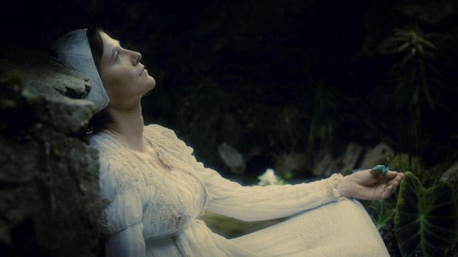 Tráiler de Bella durmiente. (2016)