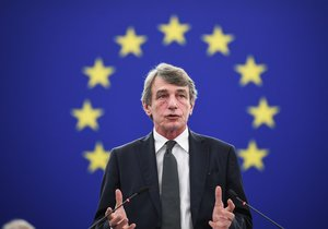 Strasbourg (France), 18/12/2019.- European Parliament President David Sassoli delivers his speech during a debate at the European Parliament in Strasbourg, France, 18 December 2019. The European Parliament is in plenary session from 16 to 19 December 2019. (Francia, Estrasburgo) EFE/EPA/PATRICK SEEGER