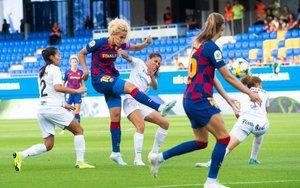 Hamraoui dispara a puerta en el partido contra el Logroño.