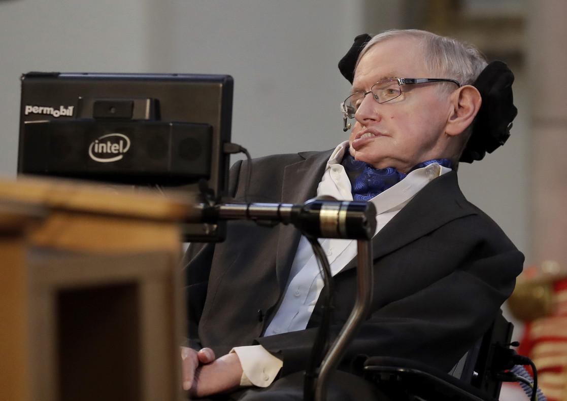 La web de Cambridge, col·lapsada per la tesi doctoral de Stephen Hawking