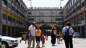 Fachada del hospital Infanta Leonor de Madrid en cuya UCI se contagió la enfermera que ha contraído el virus de Crimea Congo.