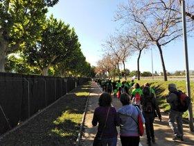 Prop de 400 persones fan una marxa al Baix Llobregat en defensa del treball digne i l'economia solidària