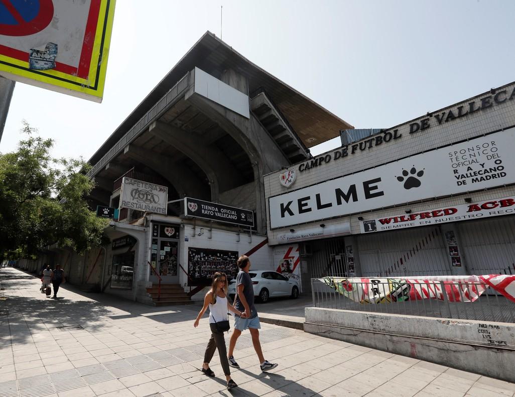 Inmediaciones del Estadio de Vallecas.
