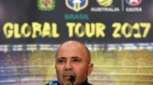 Jorge Sampaoli, en su primera rueda de prensa como seleccionador argentino, en Melbourne.