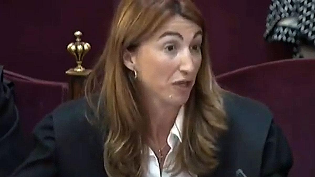 Juicio del 'procés'. Judit Gené critica el sesgo de la fiscalia y que haya inventado términos como rebelión posmoderna.