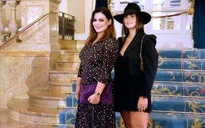 Marísa Jara y Lorena Durán (con sombrero), este martes en Barcelona.