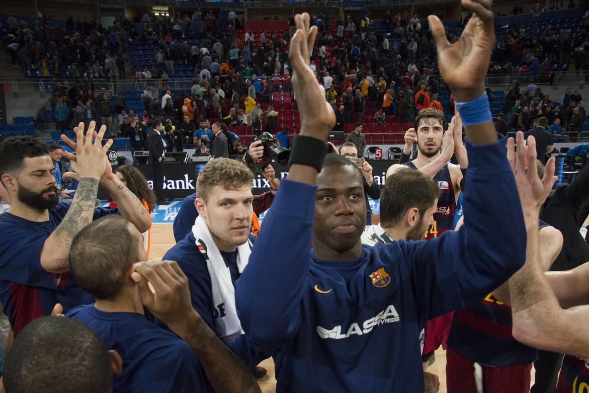 Los jugadores del Barça celebran su clasificación para semifinales