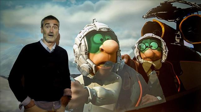 Javier Fesser comparte perplejidad con Filemón y Mortadelo en los estudios de Illion.
