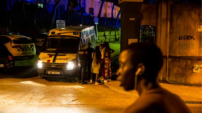 Cinc ferits en l'assalt a un centre de menors migrants al Masnou