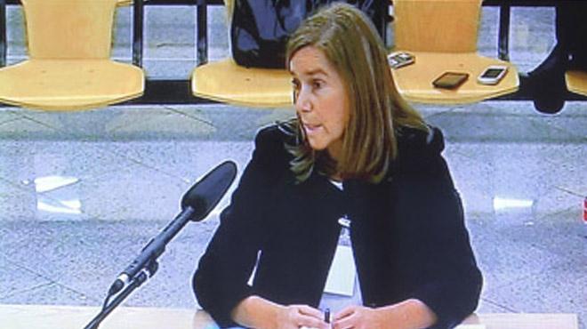 La exministra de Sanidad, Ana Mato, respondiendo ante el juez.