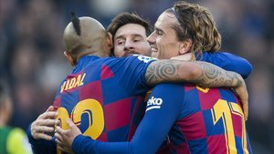 Messi, Griezmann y Vidal, la tripleta del ataque del Barça ante el Eibar.