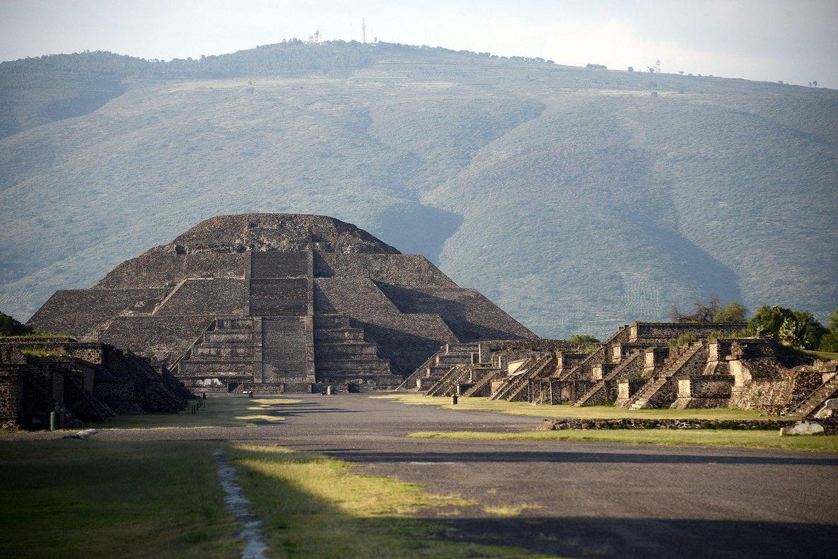 Esta cámara, que podría haber estado dedicada a fines rituales, se encuentra ocho metros debajo de la Pirámide.