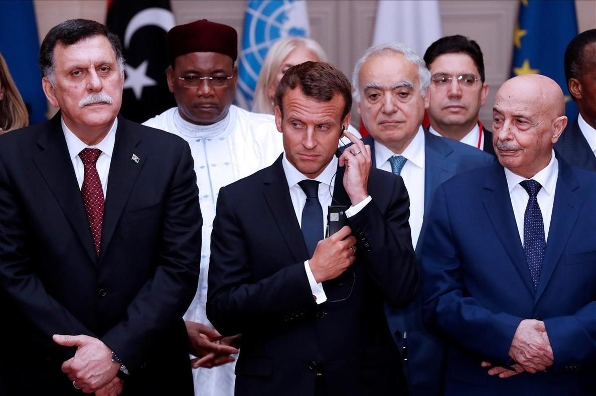 El presidente del Consejo Presidencial de Libia Fayez al-Sarra el presidente frances Emmanuel Macron y el presidente de la Camara de Representantes de Libia Tobruk Aguila Saleh Issa.