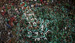 Quatre de deu amb folre i manilles de los Castellers de Vilafranca