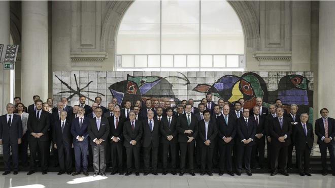 Rajoy llama ante Puigdemont a evitar la dexconexión.