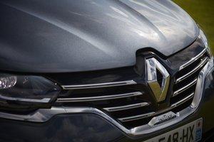El diario financiero japonés recuerda que Nissan Motor ha venido resistiendo presiones para fusionarse con Renault.
