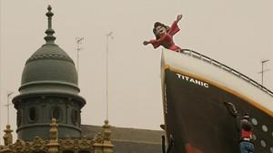 El ninot deRita Barberá, a bordo del Titanic, en el 2004.