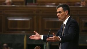 El líder socialista, Pedro Sánchez, durante el debate de la moción de censura contra Mariano Rajoy.