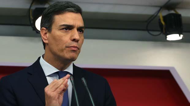 El líder del PSOE asegura que su gobierno hará cumplir la Constitución.