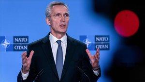 El secretario general de la OTAN, Jens Stoltenberg, durante la rueda de prensa que ha ofrecido este lunes.
