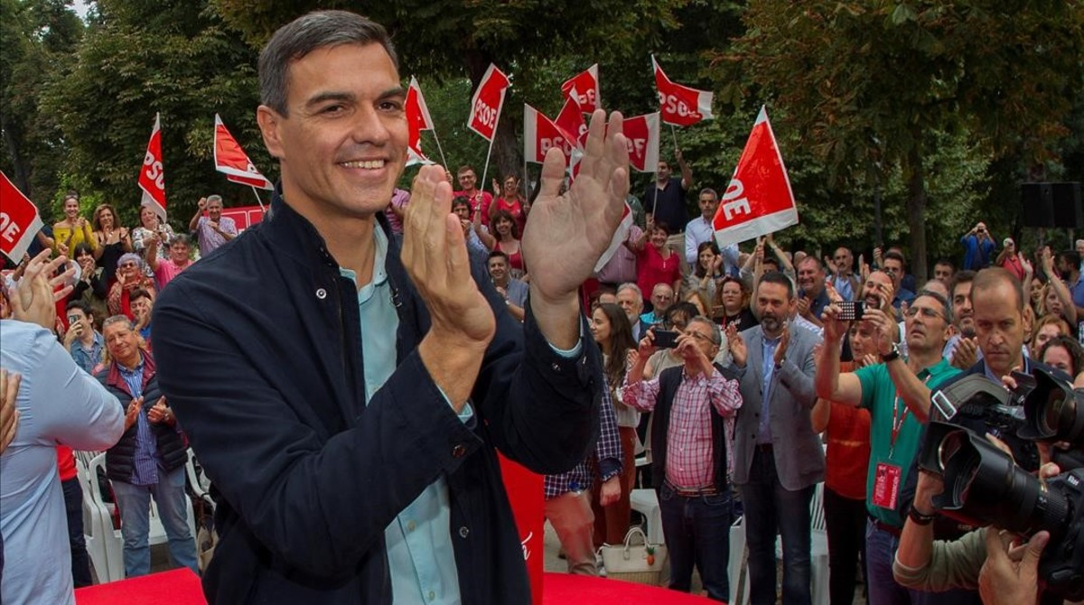 Pedro Sánchez, este domingo en un acto del PSOE asturiano, en Oviedo.