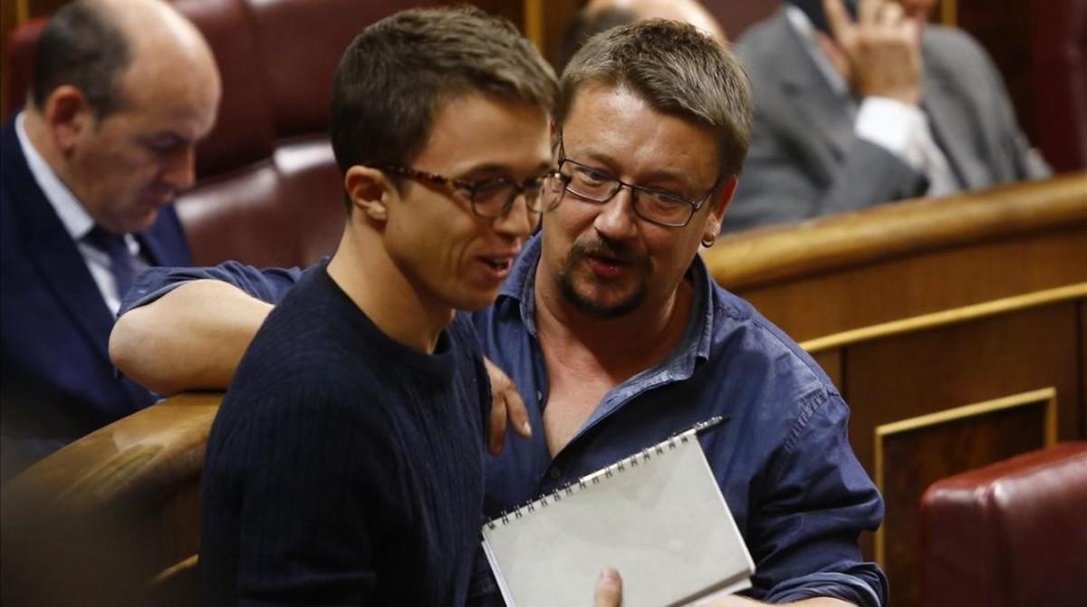Xavier Domènch e Íñigo Errejón en el pleno del Congreso.
