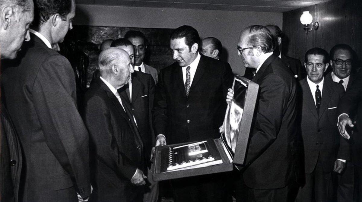 Encuentro entre Francisco Franco y Agustí Montal, presidente del FC Barcelona.