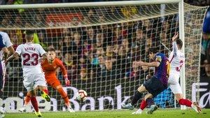 El segundo gol azulgrana, de Messi.