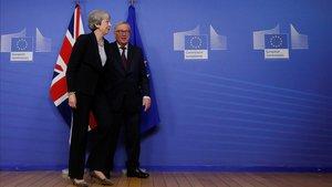 Les crítiques als diputats sobre la gestió del 'brexit' es tornen contra May