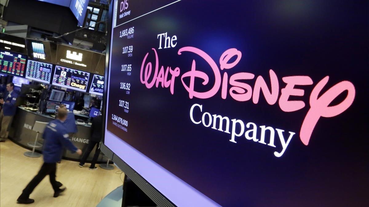 El logo de Disney, en un nmonitor de la bolsa de Nueva York.