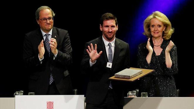 Leo Messi tras recibir la Creu de Sant Jordi de manos del presidente de la Generalitat de Catalunya, Quim Torra.