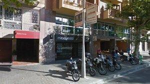 Atracament i fuga en una botiga Apple del carrer de València de Barcelona