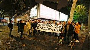 Protesta vecinal para reivindicar el solar del Talía, el pasado otoño.