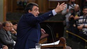 Aitor Estebvan, durante su intervención en el debate de Investidura este martes en el Congreso.