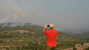 Els desallotjats per l'incendi de Las Hurdes tornen a casa seva