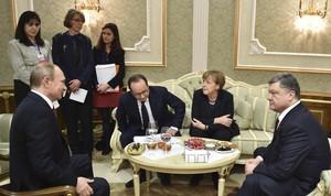 Vladímir Putin, Petró Poroixenko, Angela Merkel i François Hollande, en la cimera de Minsk.