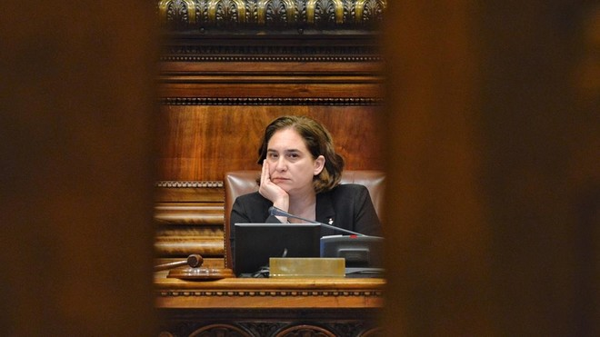 Colau pierde la confianza y reta a la oposición a elegir alcalde