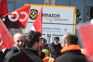 Huelga trabajadores de Amazon