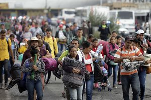 PUEBLAMEXICOUnos 150 centroamericanosintegrantes de la primera caravana migrante que entro a Mexico el 19 de octubrellegaronal central estado mexicano de Puebla donde manana domingo esperaran a unas 4 500 personas que se quedaron en distintos municipios del estado de Veracruz.EFE Hilda Rios