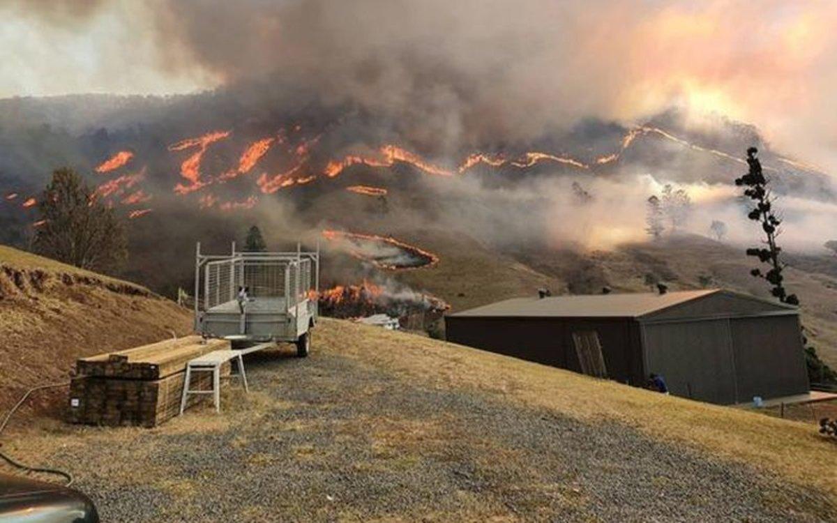 Los incendios forestales se extienden por Australia.