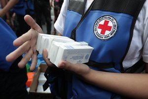 Se entregaron kits con antibióticos y medicamentos quirúrgicos para el tratamiento de 10.000 personas.