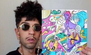 El rapero canario Bejo con el 'dibejo' que subasta en eBay