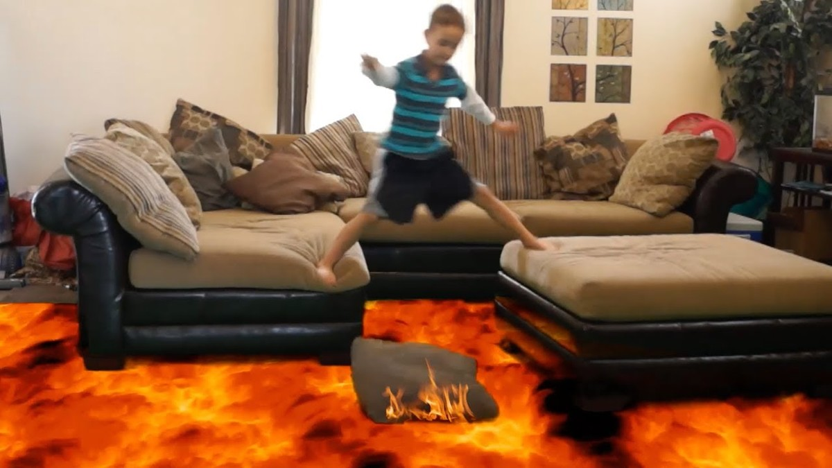 Captura de uno de los vídeos The floor is lava con efectos especiales.